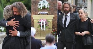 Basiková v slzách: Na tajném pohřbu ji utěšoval exmanžel Polák!