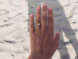 Blonďatá moderátorka Novy se bude vdávat! Krásná maminka žádost o ruku nečekala