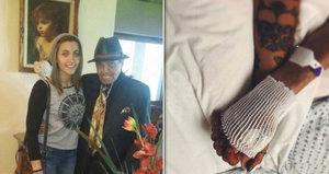 Když umíral, držela ho za ruku. Otec (†89) Michaela Jacksona (†50) zemřel ve společnosti vnučky