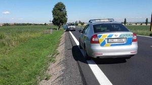 Úmrtí na silnici: V Kolovratech leželo tělo muže, nejspíš ho srazilo auto
