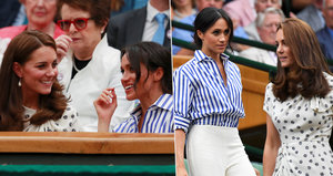 Kate a Meghan vyrazily spolu na Wimbledon a smály se od ucha k uchu. Prince nechaly doma