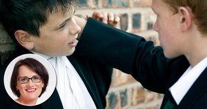 Hledání nejslabšího, prostředí i vzhled. Šikany ve školách přibývá. Je obětí i vaše dítě?