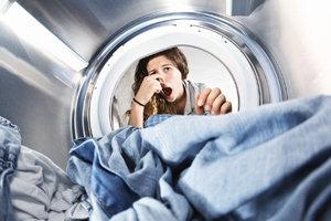 Zápach a špína v pračce? Stačí 4 kroky k dokonalému vyčištění