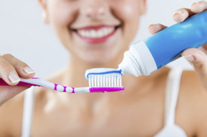 Co všechno dokáže zubní pasta? 10 neobvyklých tipů, které musíte vyzkoušet!