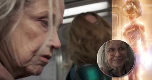 Trailer na Captain Marvel: Hrdinka mlátí babičku! (Spoiler – je to mimozemšťan v přestrojení!)