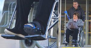 Jiřina Bohdalová (87) skončila po úrazu na vozíku a ruší práci!