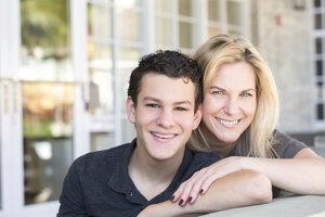 7 důležitých rad o lásce a vztazích, které by synovi měla říct každá máma
