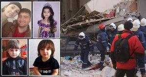 Při výbuchu domu přišel o celou rodinu: O smrti manželky a dětí neví, leží v kómatu