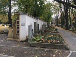 Dušičky v Praze: Hřbitovy budou déle otevřené, na některých se uskuteční mše