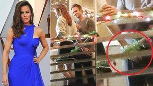 Bývalka Afflecka Jennifer Garner: Rukou kontrolovala výbavu svého fešáka!
