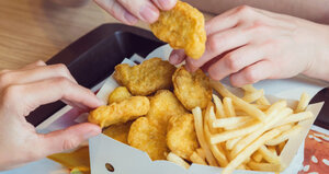Video: Nugety i burger bez housky – novinky z Mekáče vám udělají radost