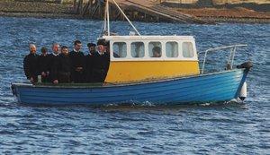 Člun s věřícími se převrátil cestou do kláštera: Utopili se čtyři lidé
