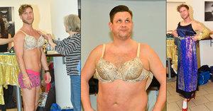 Novotný i »gay« z Účastníků zájezdu Nosek v podprsence a šatech! Vylezou tak i na jeviště?
