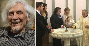 Vnučku Petra Hapky (†70) pokřtili v Římě. Po kmotrovi získala krásné jméno