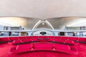 Super nápad! Opuštěný terminál letiště znovu ožil jako luxusní retro hotel