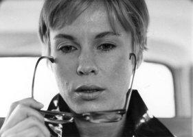 Herecké nebe se znovu rozrostlo: Zemřela půvabná hvězda Bergmanových filmů