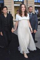 Opřela se do vévodkyně Kate, teď ji to taky čeká! Keira Knightleyová je podruhé těhotná
