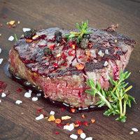 Bylinková marináda na gril: Co podtrhne chuť ryb, kuřecího nebo hovězího?