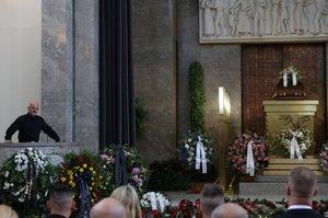 Dva pohřby Postráneckého (†75): Rodina se loučila v krematoriu, Národní praskalo ve švech!