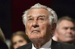 Měl charisma a miloval pivo. Zemřel expremiér Austrálie Bob Hawke (†89)