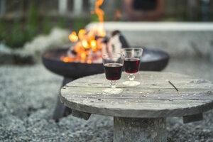 Přenosné ohniště vybírejte pečlivě. Co si určitě pohlídat? Plus tipy, jak správně grilovat