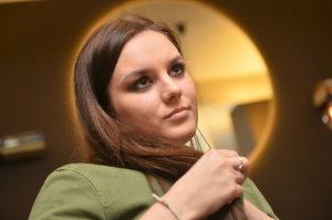 Čerstvá maminka Ewa Farna zuří: Podvod s nemocným novorozencem a citové vydírání!