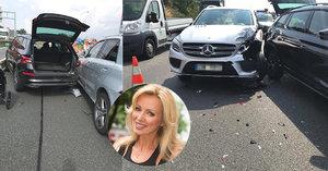 Kateřina Brožová bourala v hromadné nehodě na D1! Zrušená tři luxusní auta, v jednom byl kočárek!
