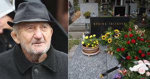 Dva dny po tajném pohřbu Zdeňka Srstky (†83): Fanoušci hrob objevili a...