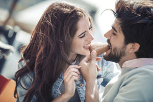 Máte vztah na dálku? Víme, jak si ho udržet a udělat z něj lásku vašeho života!