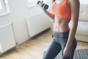 Jak správně cvičit bříško a jakých chyb se vyvarovat? Dejte na rady zkušené trenérky