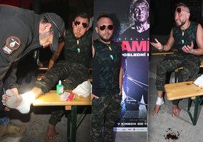 Moderátor Jan Tuna na premiéře Ramba: 10 kilo nahoře a noha v krvi!