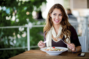 5 odpovědí na to, proč se vám i přes zdravý jídelníček nedaří zhubnout