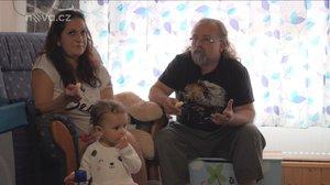 Malé lásky: Katastrofa po návratu z porodnice! Dítě přestalo dýchat správně
