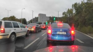 Kolaps dopravy v Praze! Řidiči skoro tři hodiny čekali na otevření Dejvického tunelu: Hořelo v něm auto