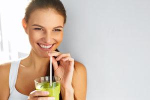 Stravujte se zdravě a chutně: 6 jarních receptů ze zeleniny i bylin