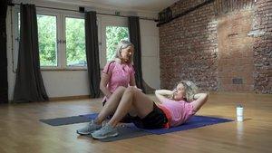 Super tělo s Bleskem pro ženy: Jak správně dělat sedy lehy?