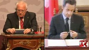 """Sarkozy by mohl naučit Klause, jak se """"půjčuje"""" pero"""