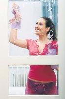 Chcete mít zářivě čistá okna? 5 rad, jak toho docílit bez velké námahy!