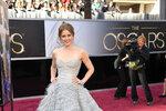Amy Adams v šatech Oscar de la Renta.