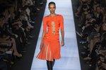 Newyorský týden módy: pohádkové róby i praktické zavinovací šaty