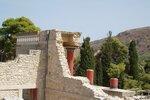 Knossos je nejznámější krétskou archeologickou lokalitou, ležící cca 5km jihovýchodně od Heraklionu.