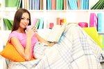 Chladné večery se blíží: Pořiďte si hřejivé a stylové oblečení na doma!
