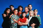 Některým hercům v době prvního natáčení nebylo ještě ani osmnáct let.