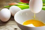 Známe fígl, jak vyfouknout vajíčko jednou dírkou! Stačí vám dvě minuty!