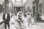 Ze zákulisí svatby Diany a Charlese: Nevěsta nese v náručí svou pětiletou družičku Clementine Hambro