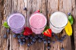 Jestliže jste našli zalíbení ve smoothie, klidně si je po ránu dopřejte coby snídani, ale uberte cukry a přidejte vlákninu.