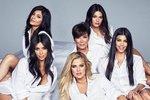 Kris Jenner s dcerami pro Cosmopolitan.