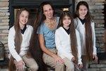 Kdyby se spojily vlasy všech žen z rodiny Russelových dohromady, byly by dlouhé jako slon africký.
