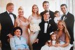 První rodina USA: Co dělá jeho 5 dětí a 3 manželky? Nejstarší syn umí česky!