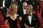 Julia Roberts přišla na premiéru filmu Hra peněz po boku George Clooneyho.